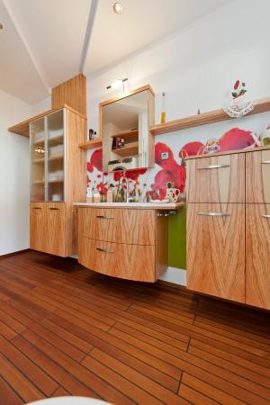 -Badezimmermöbel Olivenholz furniertThermoholzboden Birke 2-Stab